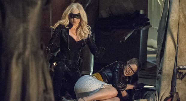 620-x-338-Canary-Felicity-Smoak1