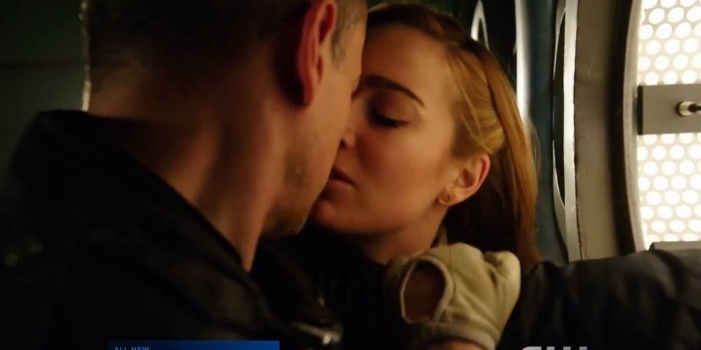 legends-of-tomorrow-sara-lance-and-leonard-snart-in-destiny