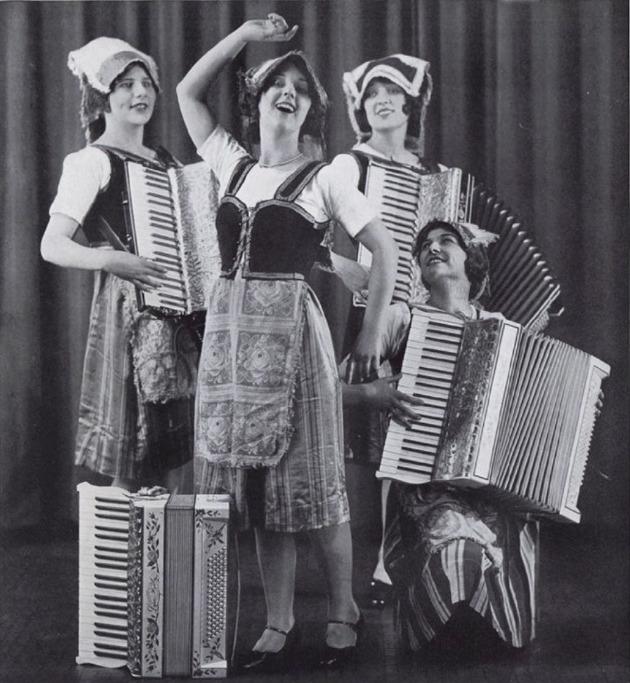 accordion_girls_vintage_ad_postcard-r43f5875c2f5e42deb864ee69ab9abf60_vgbaq_8byvr_1024